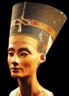 Queen Nefertiti ***